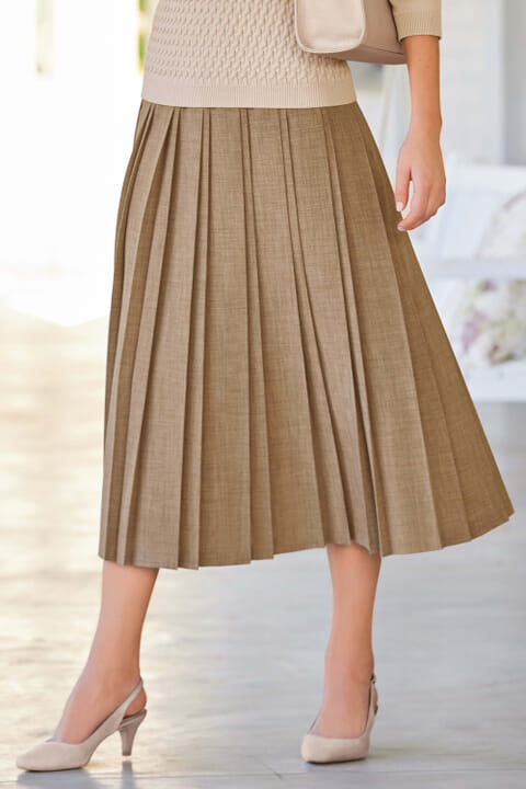 Double pleat textured skirt